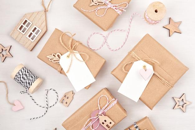Morden christmas gifts decoration em cores pastel Foto Premium