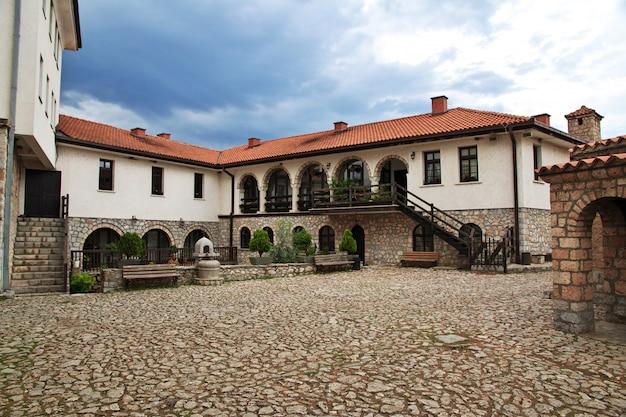 Mosteiro de sant naum na macedônia, balcãs Foto Premium