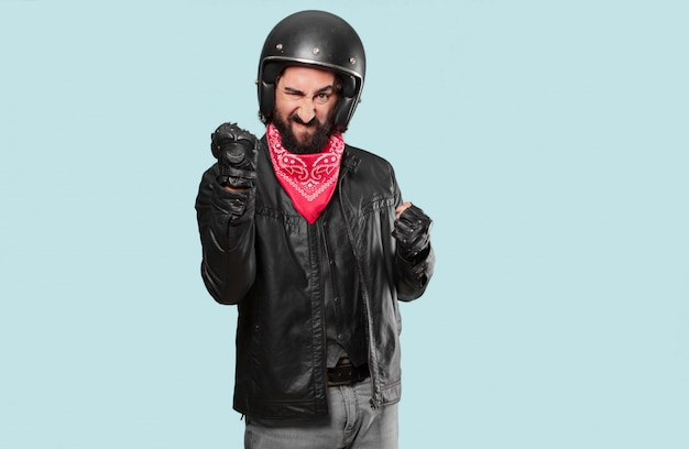 Motociclista com raiva ou discordo Foto Premium