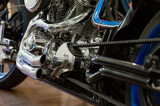 Motor close-up tiro de moto bonita e personalizada Foto Premium
