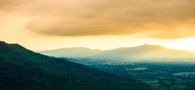 Moutain ao pôr do sol Foto Premium