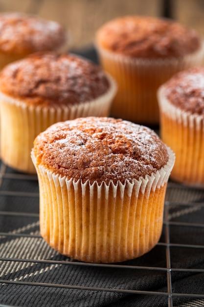 Muffin com açúcar de confeiteiro Foto gratuita