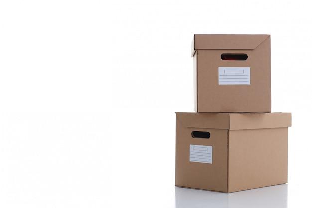 Muita caixa de papelão de cor kraft. Foto Premium