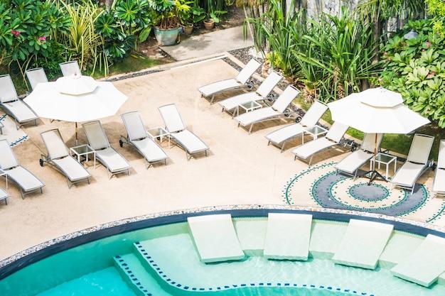 Muitas redes em uma piscina baixar fotos gratuitas for Piscina gratuita