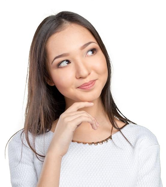Mulher asiática, pensando Foto Premium