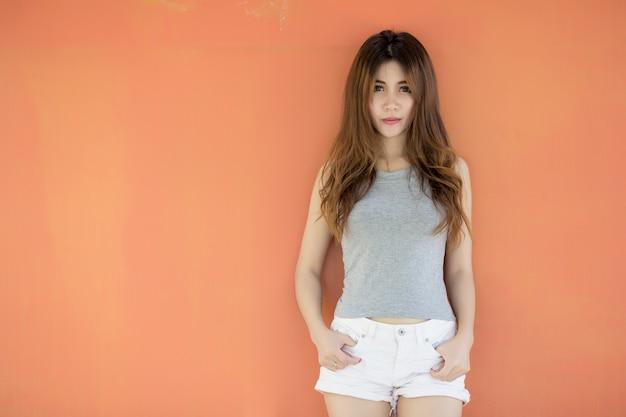 8eff8e738 Mulher asiática