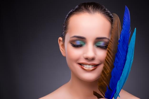 Mulher bonita, com, escrita, pena, pena Foto Premium