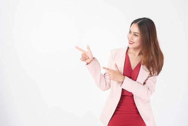Mulher de negócios bonita no estúdio Foto Premium