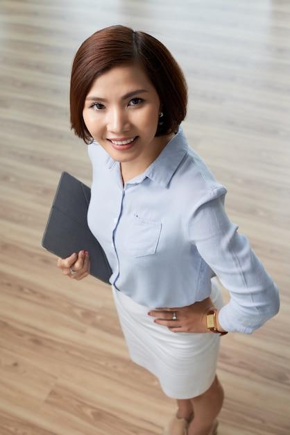 Mulher de negócios jovem Foto gratuita