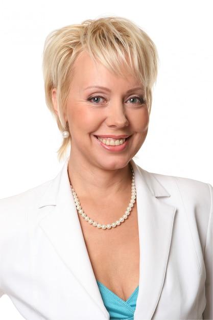 Mulher de negócios linda e sorridente Foto gratuita