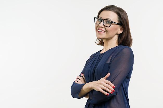 Mulher de negócios positivo de meia-idade Foto Premium