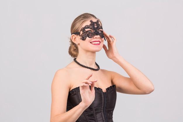 Mulher, desgastar, carnaval, máscara Foto gratuita
