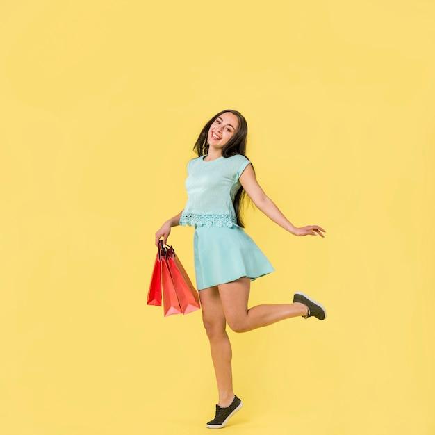 Mulher, em, azul, roupas, ficar, ligado, meia Foto gratuita