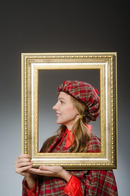 Mulher, em, escocês, roupa, em, arte, conceito Foto Premium