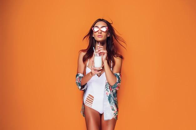 Mulher em roupa de banho Foto Premium