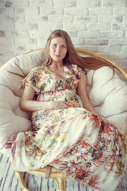 Mulher grávida de beleza Foto Premium