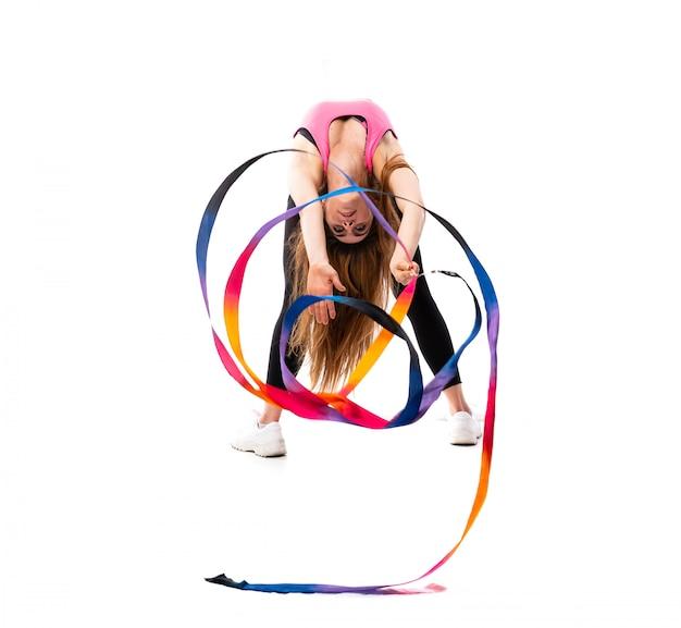Mulher jovem bailarina sobre branco isolado Foto Premium