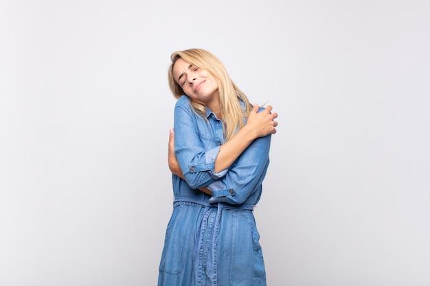 Mulher jovem e bonita Foto Premium