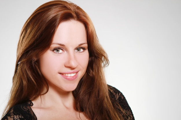 Mulher jovem e bonita Foto gratuita