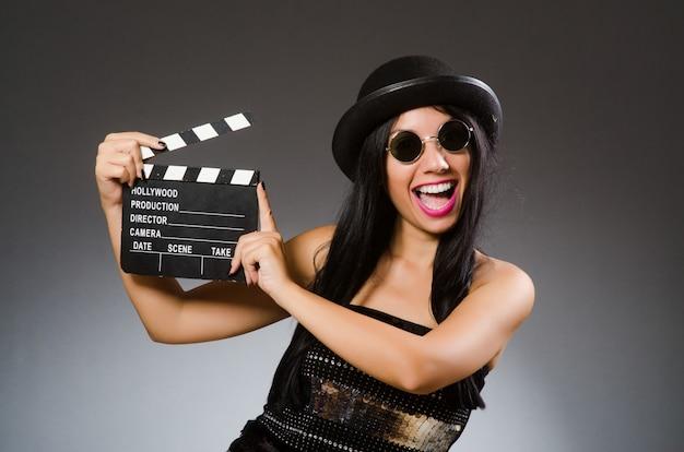 Mulher jovem, em, filme, conceito Foto Premium