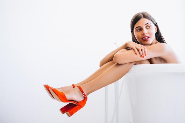 Mulher, mentindo, banheiro, moda, fotografia Foto gratuita