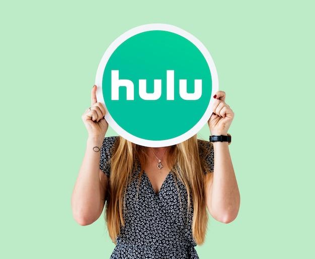 Mulher, mostrando, um, sinal hulu Foto gratuita