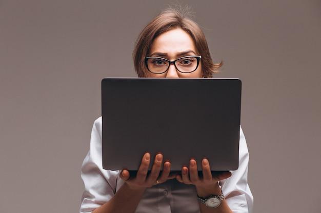 Mulher negócio, com, computador, isolado Foto gratuita