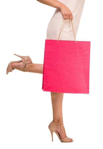 Mulher segura, sacola rosa Foto Premium