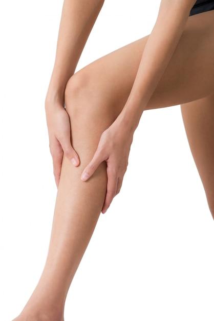 Mulher, segurando, dela, perna, com, massaging, shin, e, bezerro, em, dor, áreas, isolado, branco Foto Premium