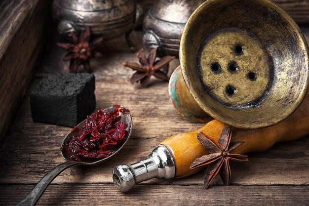 Narguilé shisha com sabor de anis Foto Premium