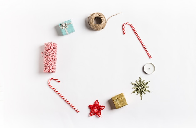 Natal decoração composição presente caixa estrela vela fita doce cana Foto gratuita