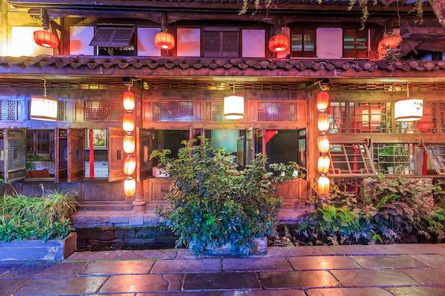 Nightscape da cidade antiga de chengdu, província de sichuan, china Foto Premium
