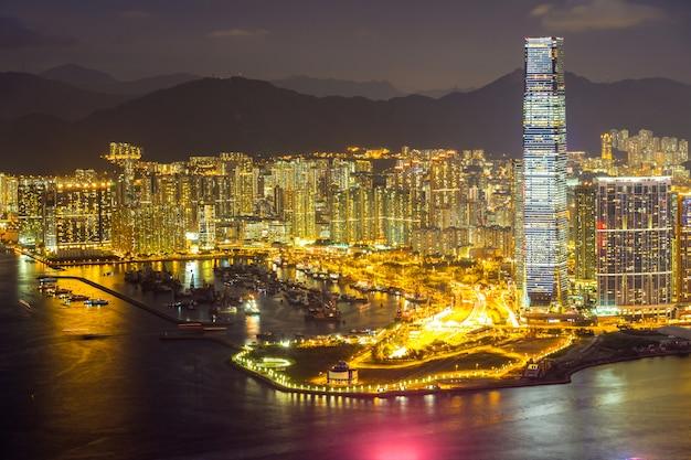 Noite aérea de hong kong Foto Premium