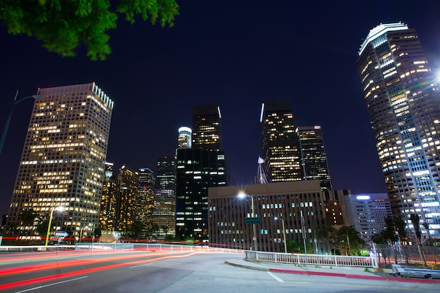 Noite centro de los angeles los angeles sunset skyline califórnia Foto Premium