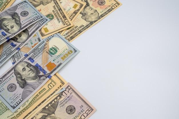 Notas de dólar para o fundo do conceito de dinheiro Foto Premium