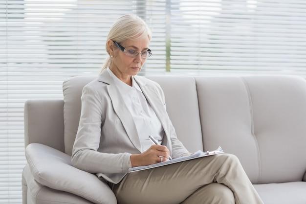 Notas de escrita do terapeuta Foto Premium