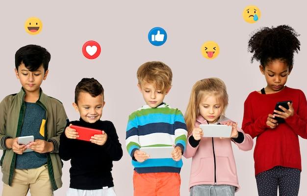 Nova geração de usuários de smartphones Foto Premium
