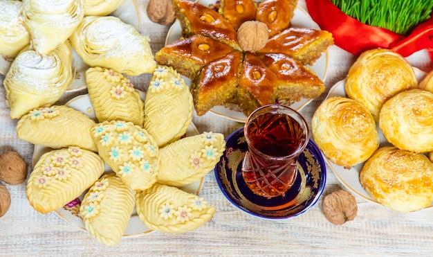 Novruz tradições do azerbaijão. ano novo. foco seletivo. Foto Premium