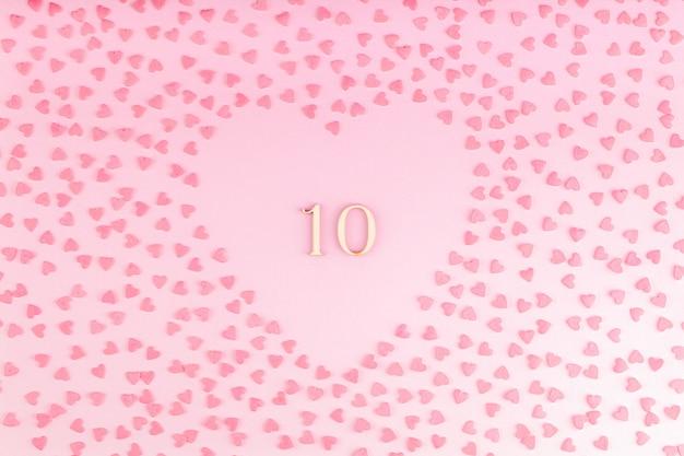 Número 13, dez, madeira, decoração coração, com, corações pequenos Foto Premium