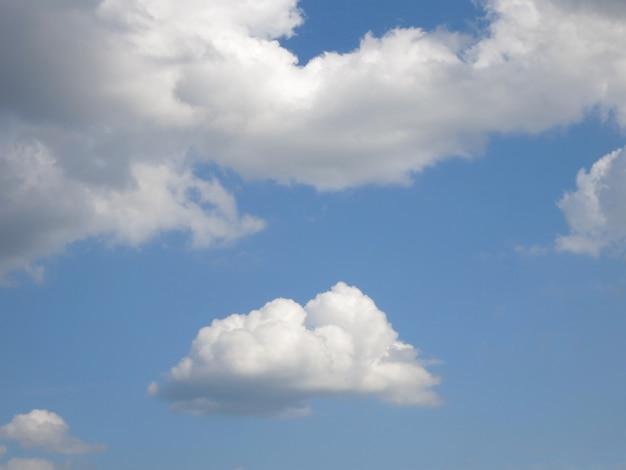 Nuvem e céu de verão Foto Premium