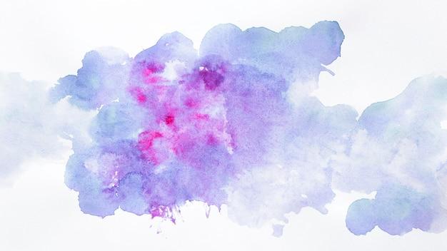 Nuvens de desenho em aquarela Foto gratuita