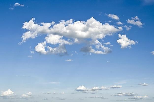Nuvens do céu monção Foto gratuita