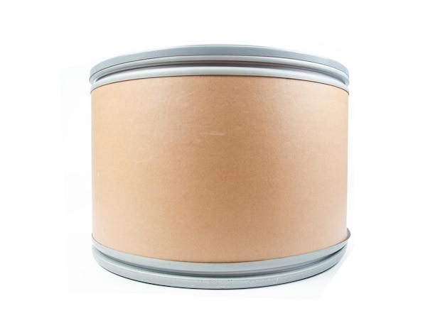 O balde de papel isolado no fundo branco Foto Premium