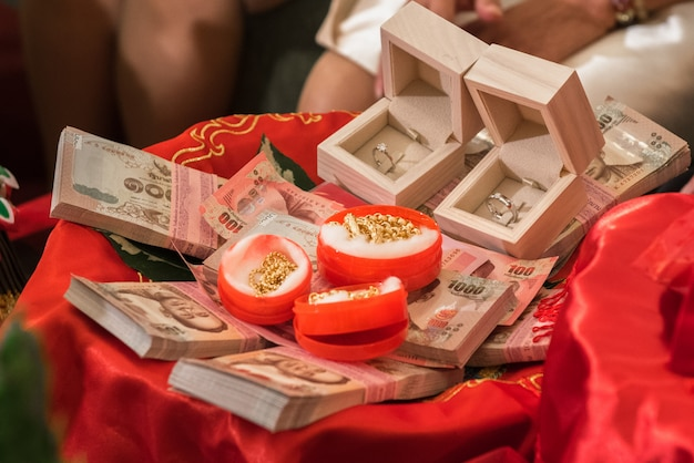 O casamento do dote no casamento tradicional tailandês, noivado tailandês. Foto Premium
