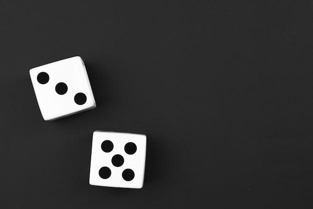 O casino corta no fundo preto Foto Premium