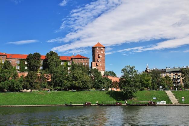 O castelo em cracóvia, polônia Foto Premium