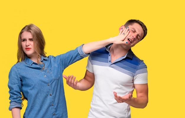O conflito de casal Foto gratuita