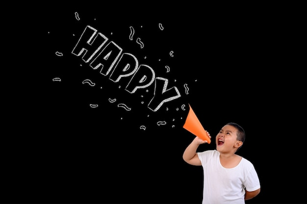 O garoto gritou alto e feliz Foto gratuita