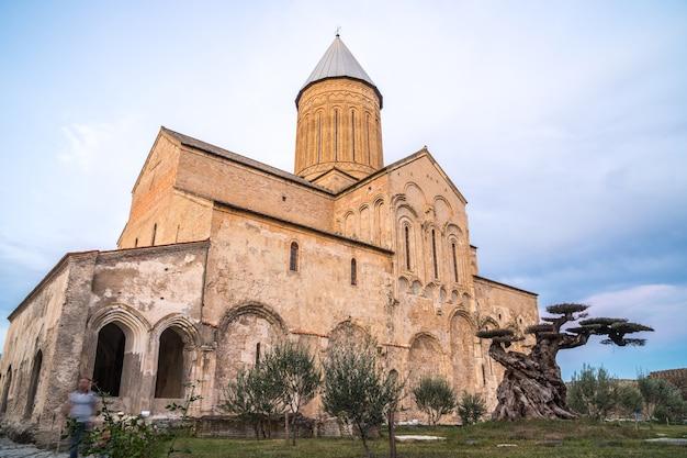 O mosteiro de alaverdi é um mosteiro ortodoxo oriental georgiano localizado na região de kakheti, no leste da geórgia. Foto Premium