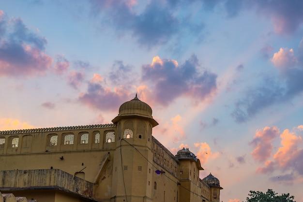 O palácio da cidade em jaipur Foto Premium
